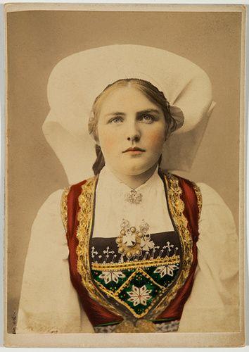 Portraits       (1885 - 1900)
