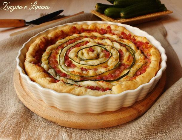 Girella+di+sfoglia+con+cotto+mozzarella+e+zucchine