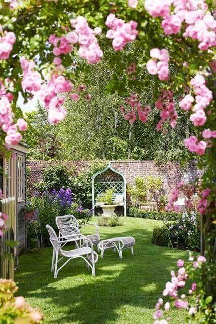 Le temps qui passe dans le jardin d'Eugénie : Photograph