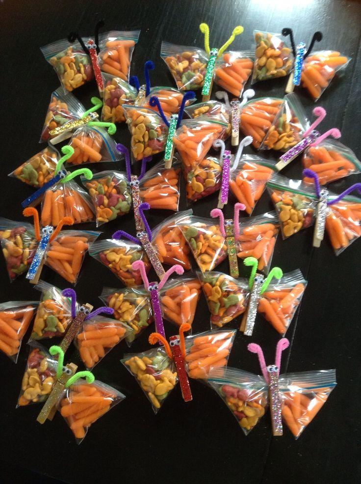 Healthy, peanut free, spring snack for kids classroom.  Rainbow goldfish and tiny baby carrots.