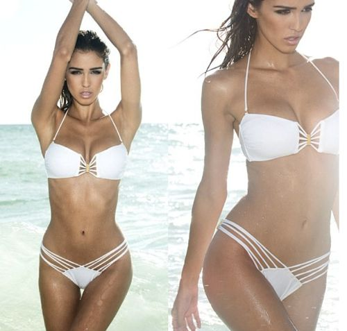 Model Ashley Sky talks diet and health~ her juice recipe::  + Quick, easy recipe:     My favorite quick & simple juice recipe is:     1 cup of spinach     1 cucumber     1 green apple     2 celery stalks     A squeeze of lemon juice     A few mint leaves.     Directions: Juice & enjoy! XO.