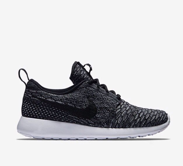 Nike Roshe Flyknit Women's Shoe customize all black with gold foil swoop