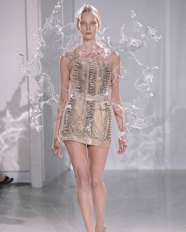 This Water Dress By Iris Van Herpen Is Everythinggggggggg Fashion Dresses Iris Van Herpen