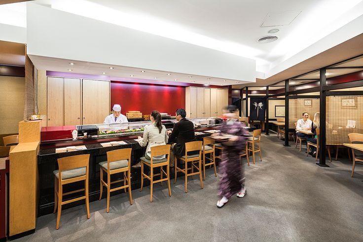 Benkay: Sushibar und Restaurantbereich