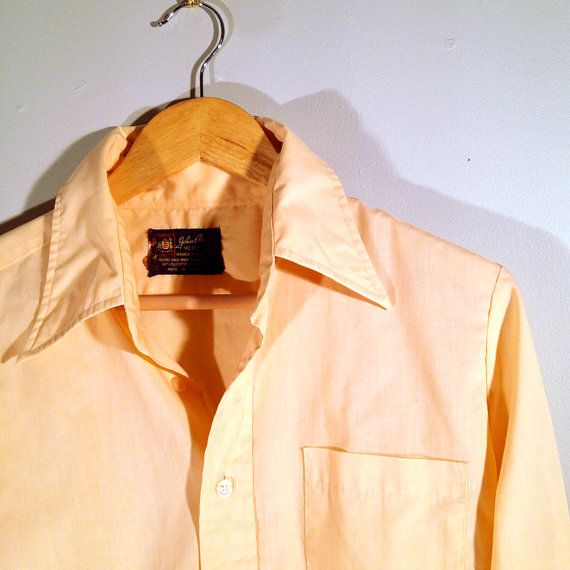 103.02 kr. Peach Mens Dress Shirt  Vintage by John Blair by QuietHandVintage