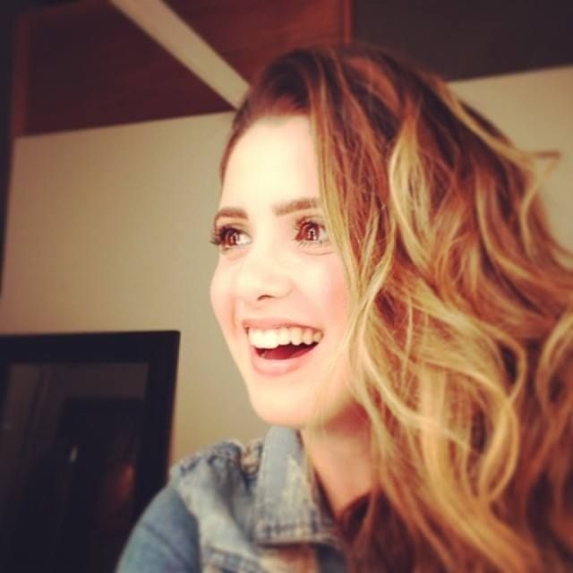 #LauraMarano I have always loved her hair. And her wonderful spirit! <3