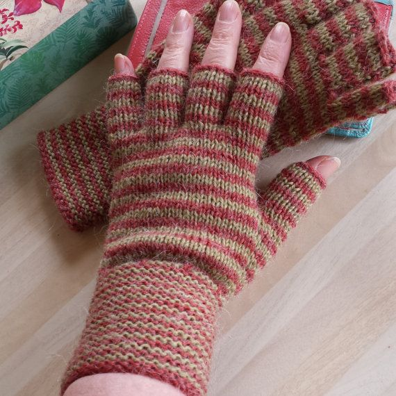 Half Finger Fingerless Gloves Wine Green Stripes by ShooglyBeads