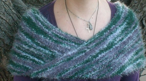 Hand and Heart made Knitted Möbius shawl/scarf or cowl charged with Reiki by Underasacredtree, €20.00