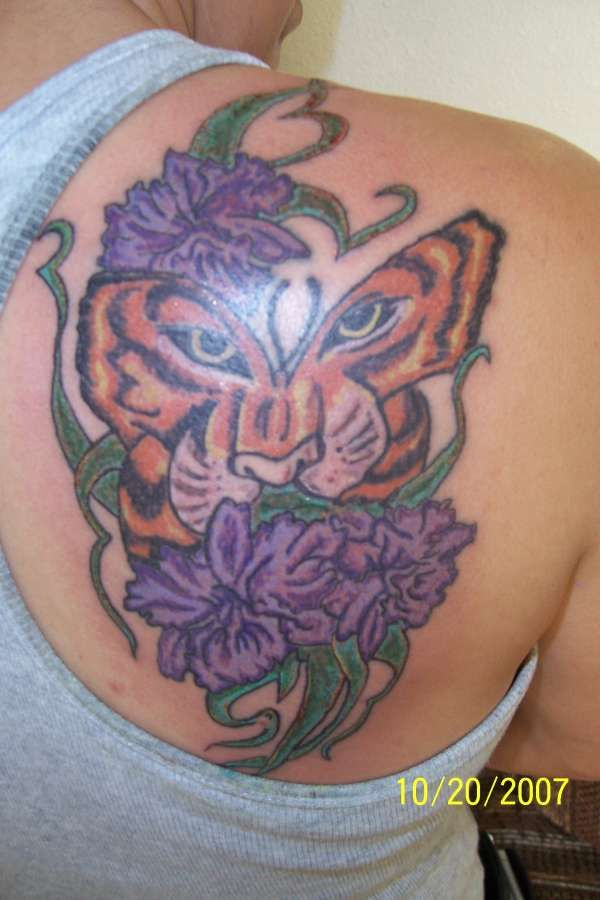 The 25 best ideas about tiger butterfly tattoo on for Tiger face in butterfly tattoo