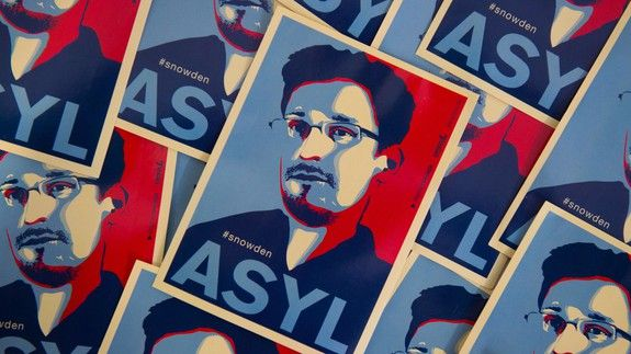 Your out-of-office reply can help push for an Edward Snowden pardon