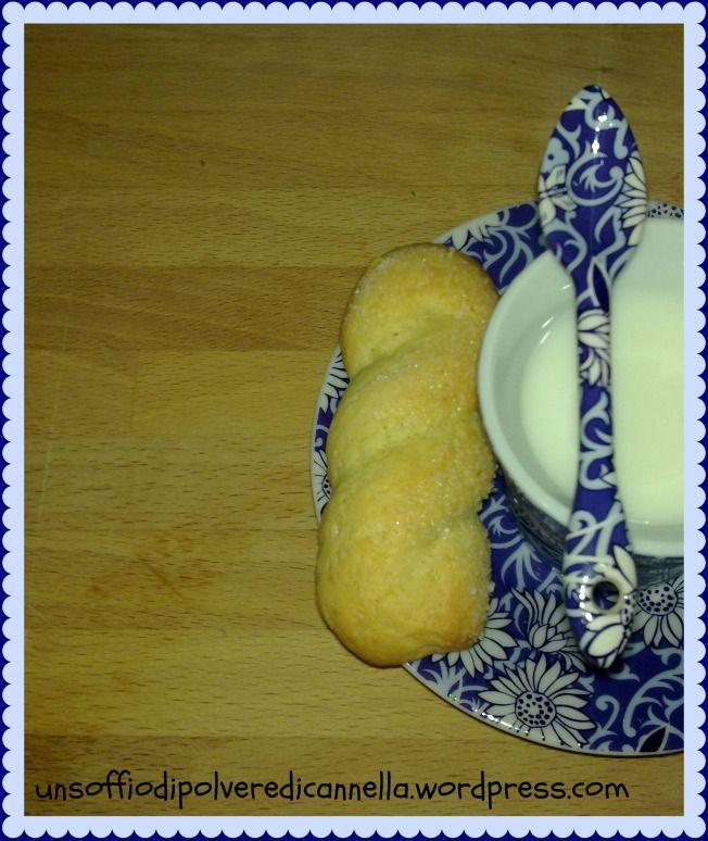 Chissà se un giorno, con tutte le ricette di biscotti da inzuppo che ho provato, riuscirò a mettere insieme una raccolta ;) !? Per il momento mi dedico a provarne un'altra in più, giusto per…