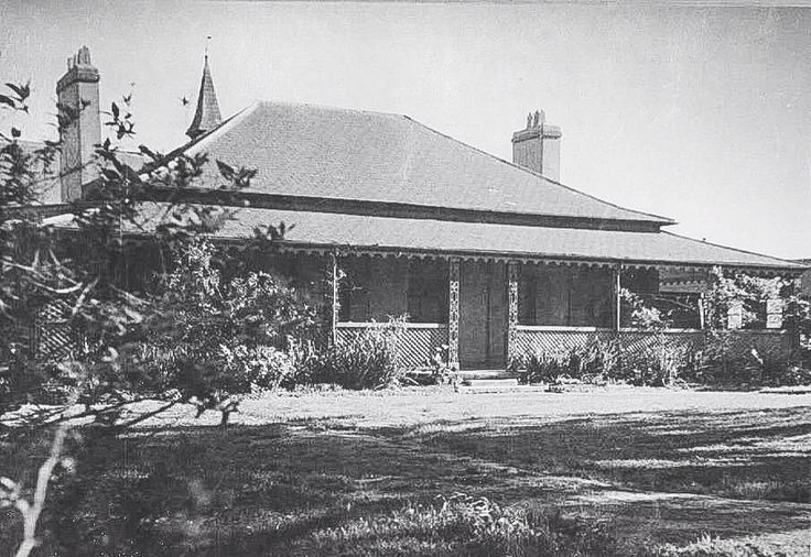 Erskinevilla from which Erskineville was named. Erskinevilla (or Erskine Villa) was built by convicts for Rev George Erskine in 1832. Erskinevilla was demolished in 1961.