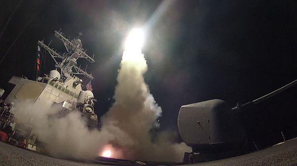 EE.UU. lanza misiles contra base aérea siria. Visite nuestra página y sea parte de nuestra conversación: http://www.namnewsnetwork.org/v3/spanish/index.php #nnn #bernama #malasia #siria #syria #usa #eeuu #kl #news #noticias #trump #ultimasnoticias #terrrorismo