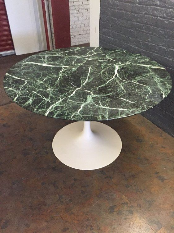 A Striking Eero Saarinen For Knoll Tulip Table In Green Marble. The Colored  Marble Top