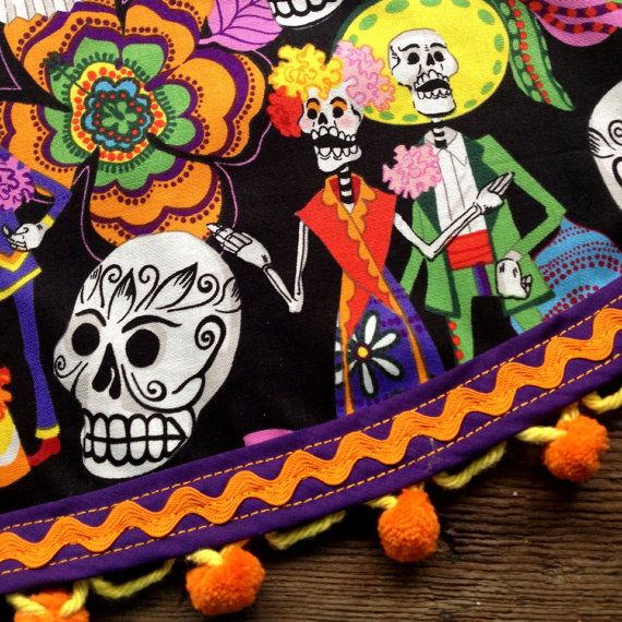 Day Of The Dead Los Novios Mexican Tablecloth Round