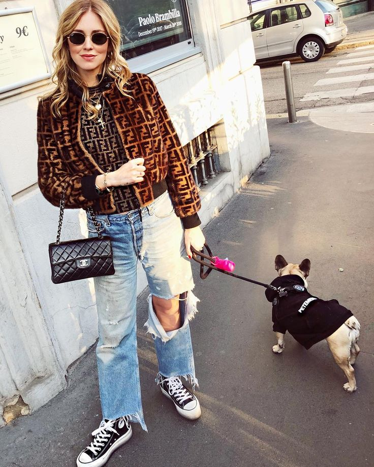 """230.8k Likes, 1,132 Comments - Chiara Ferragni (@chiaraferragni) on Instagram: """"When you can only fit one or two pairs of jeans and you only keep changing the top part of your…"""""""