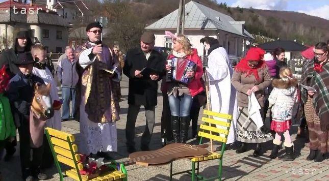 VIDEO: V Brestove opäť symbolicky pochovali basu - Regióny - TERAZ.sk