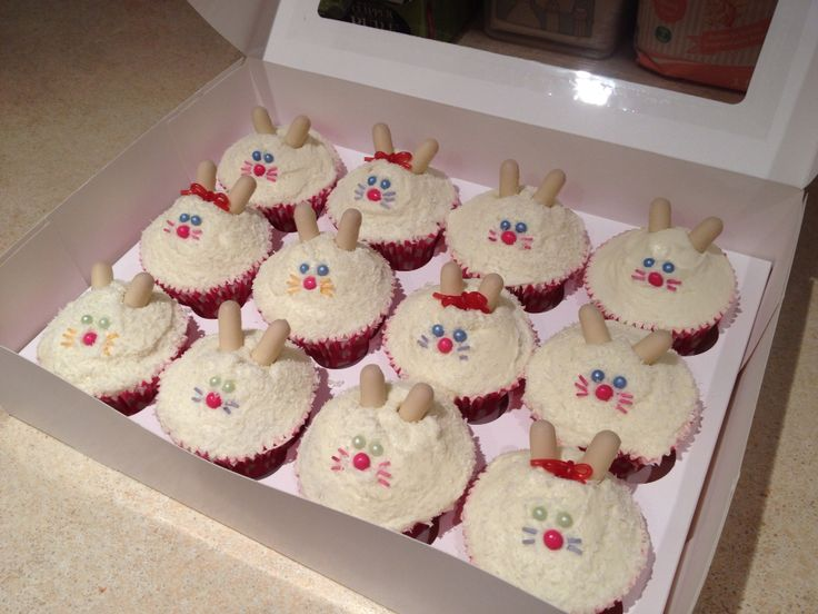 Easter bunny cupcakes :)