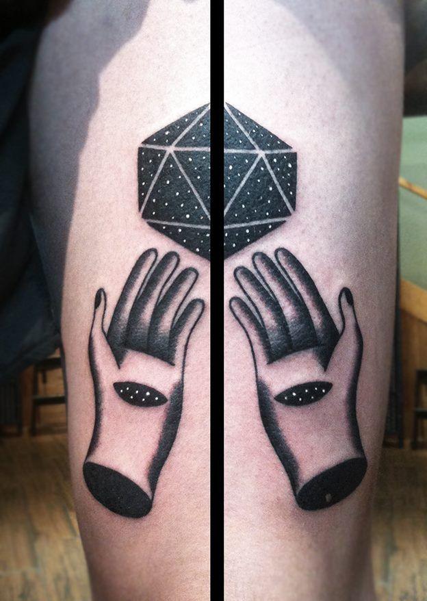 Redberry Tattoo Studio Wrocław #tattoo #inked #ink #studio #wroclaw #warszawa #tatuaz #dresden #redberry #katowice #redberrytattoostudio #amaizingtattoo #poland #berlin #eztattoo #nastiazlotin #zlotin #sketch #dotwork #nztattoo #hands #cosmos #astral