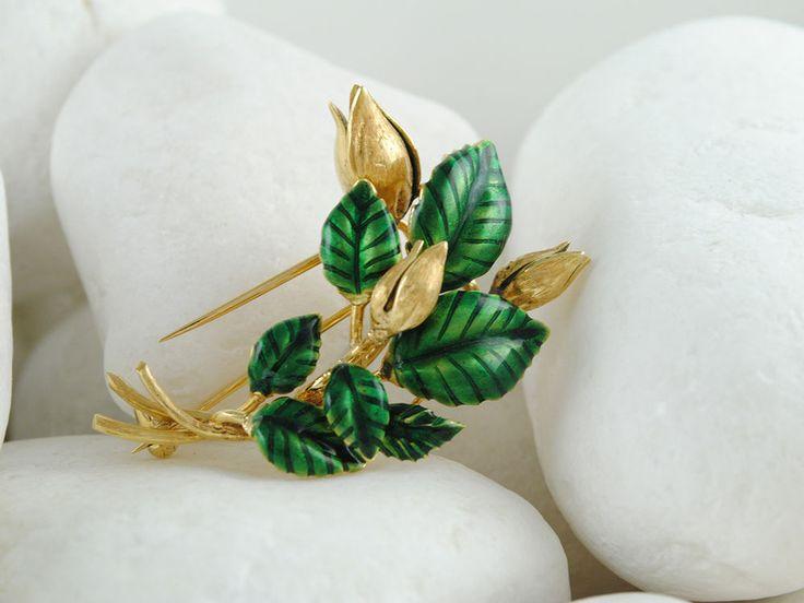 Vintage Estate 18K Solid Gold Green Enamel Flower Brooch
