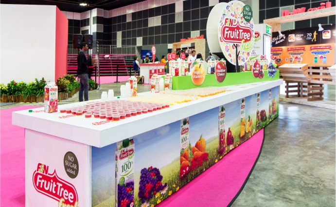 #thinkbigwintheworld: F&N, launched a new fruit juice and soya bean milk and required a promotional set up for this product launch. Visual Studio, designed and produced this roadshow for them where the audiences, along with sampling the product were also informed about the nutritional value of this product by interesting use of graphic elements. Some of our exhibits included giant juice cartons and soya milk cartons. #visualstudio, #events, #creativeagency, #production