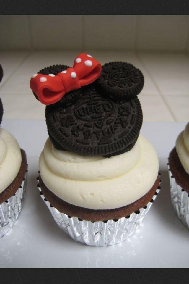 Disney cupcake! In love.