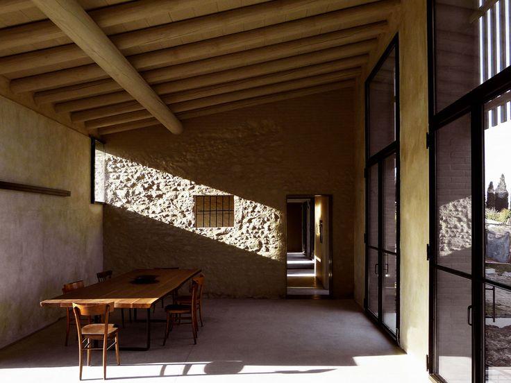 Nicolò Galeazzi | AR2, Filippo Bricolo · A brick house over an old stone barn · Architettura italiana