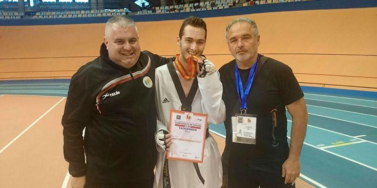 Pau Gualda del Taekwondo Paterna logra el bronce en el Campeonato de España