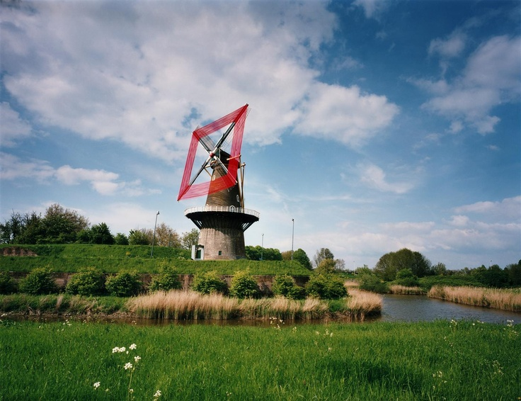Red Windmill (Scarlett Hooft Graafland)