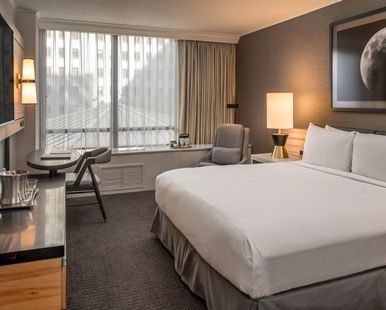 Hilton Portland & Executive Tower Hotel, OR - King Guest Room | OR 97204