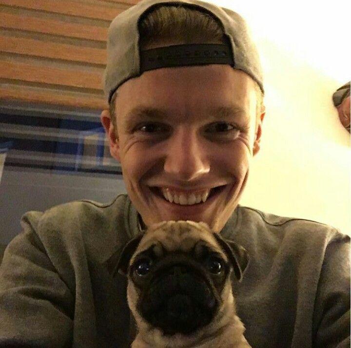 Enzo (EnzoKnol) en Pip