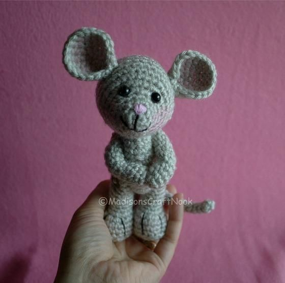 Morris the mouse: free pattern