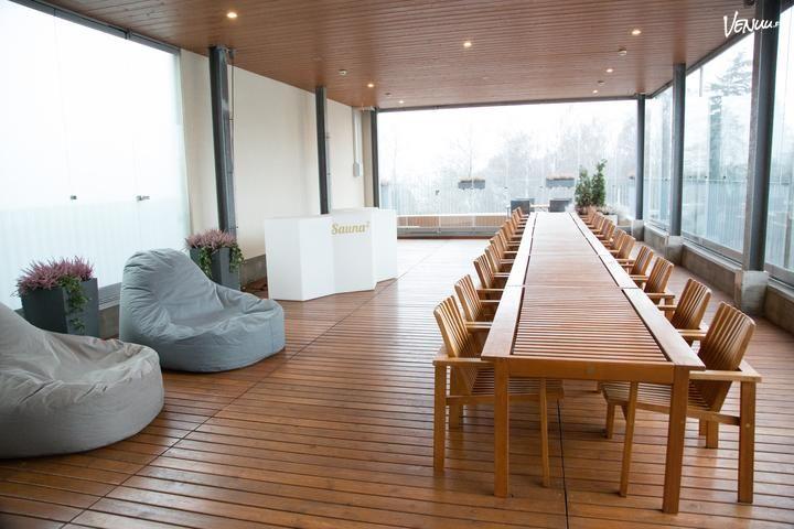 Sauna2 Kampissa voit helposti järjestää noin 50 hengen illanistujaisia. Tervetuloa!