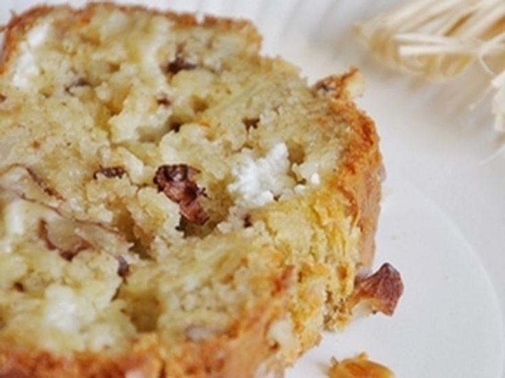 Cake au fromage de chèvre, noix et oignon caramélisé.