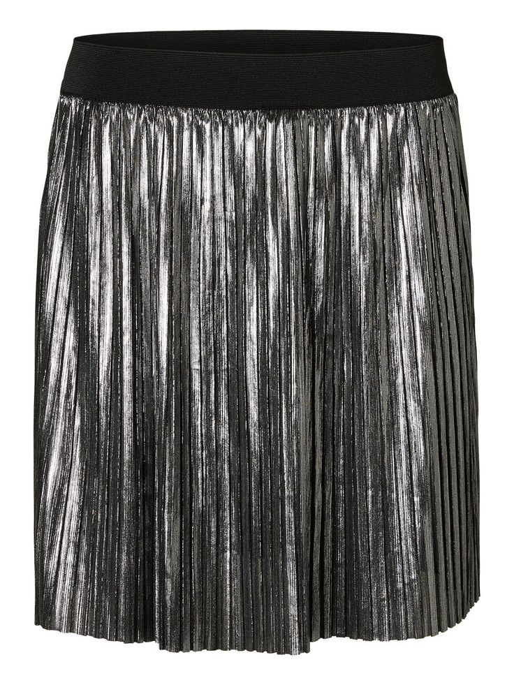 Silver skirt from VERO MODA. The perfect party item.