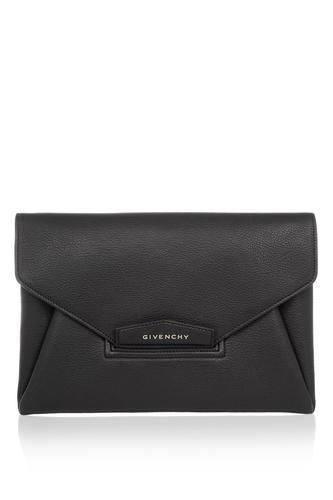 Antigona envelope clutch in black grained leather #envelopebag #women #covetme #givenchy