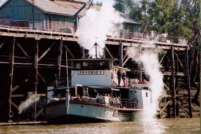 Echuca/Moama - The beautiful Pevensey steam boat