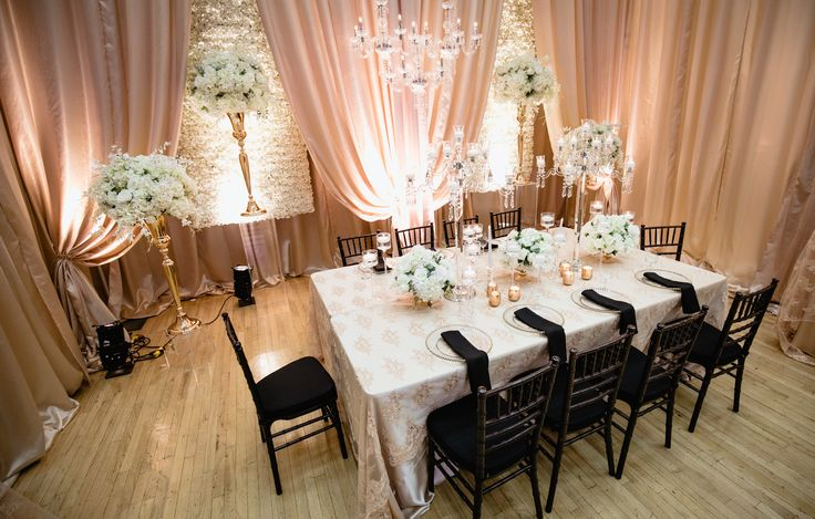 black, white and peach wedding decorations by @http://allure-events.ca/ #2017fallweddingshow