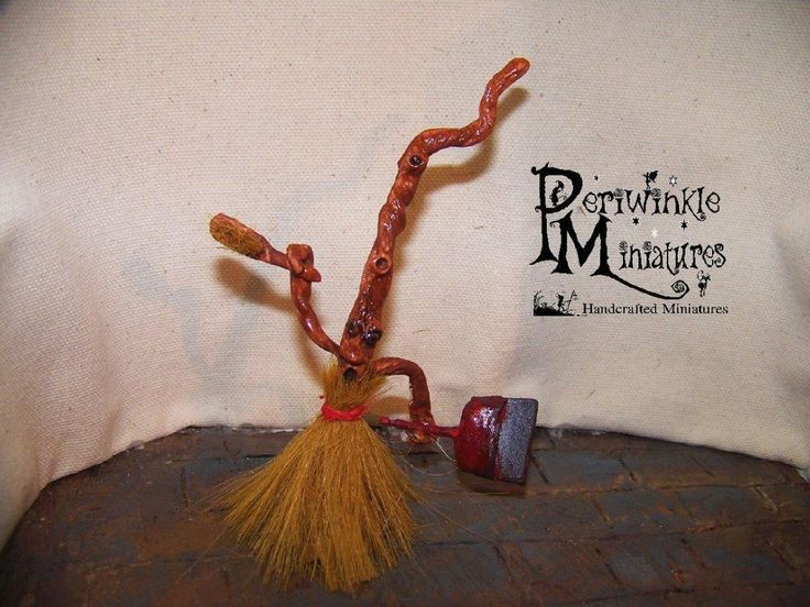 Dollhouse Miniature OOAK Magical Witch Sweeping Broom 1:12