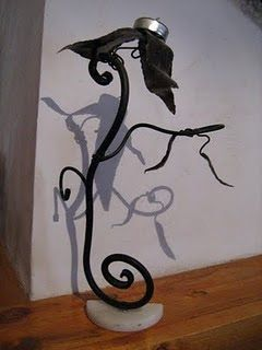 en esta escultura se utiliza la forja como técnica