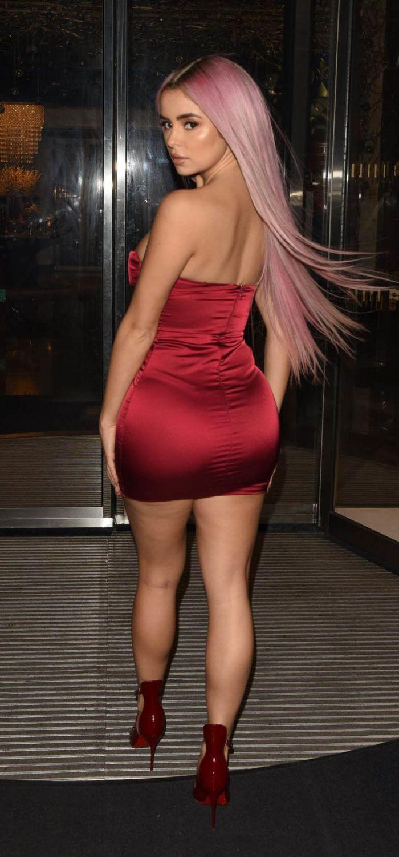 Demi Rose Mawby In Short Dress Mini Dress Dresses Short Dresses [ 1500 x 700 Pixel ]