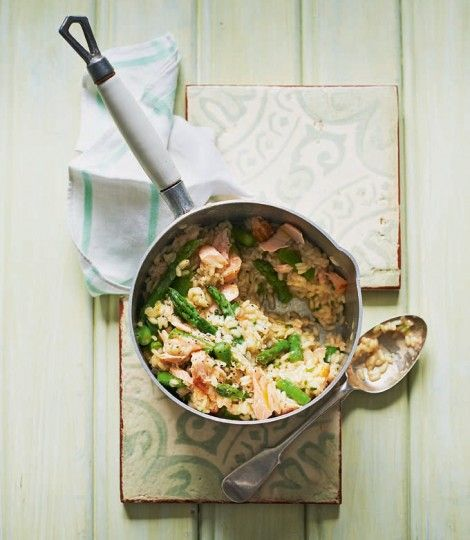Make the most of seasonal asparagus and combine it with hot-smoked salmon in this risotto recipe, for family meals and dinner parties alike.