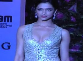 Deepika SUFFERS Because Of Cleavage Controversy