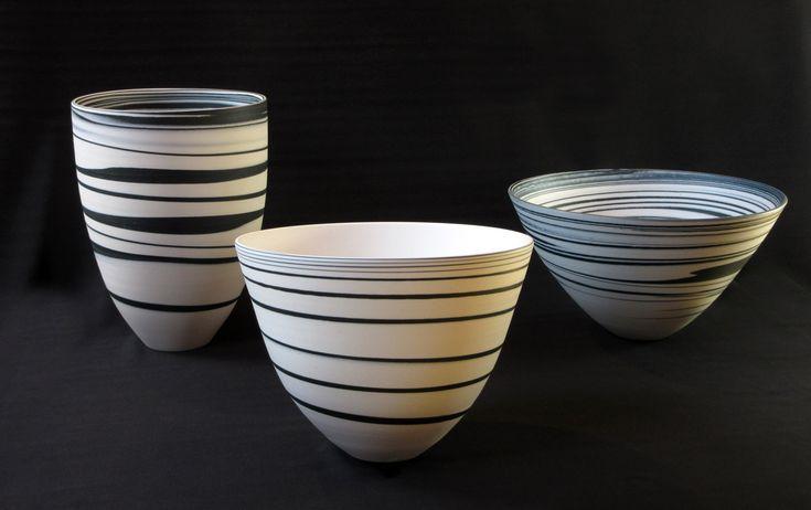 Porcelain Harmony. Porcelain Harmony. Samenspel van 3 schalen uit zwart en wit porselein