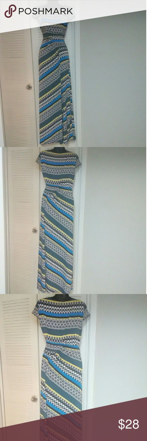 "ECI New York sz Medium blue multi color maxi dress Very beautiful dress in excellent used condition.  Bundle with other items for discount or make an offer!  18"" armpit to armpit 14.5 across waist 52"" length.  Slight ruching at the waist. ECI Dresses Maxi"