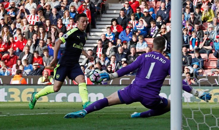 Mesut Özil has now scored more goals (8) in the Premier League this season, more than any other season at the Gunners.  #football #premierleague#soccer #futbol #sport #sport #feed #photography#hd #hq #edit #fashion #gta #liverpool #mcfc#mancity #thfc #tottenham #lfc #manutd #mufc#cfc #chelsea #fifa #fifa17 #ps4 #xbox #xboxone http://tipsrazzi.com/ipost/1513959061866271505/?code=BUCqb7XBdMR