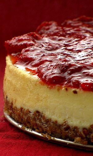 *STRAWBERRY CHEESE CAKE ~ strawbwerry cheese cake with almond crust