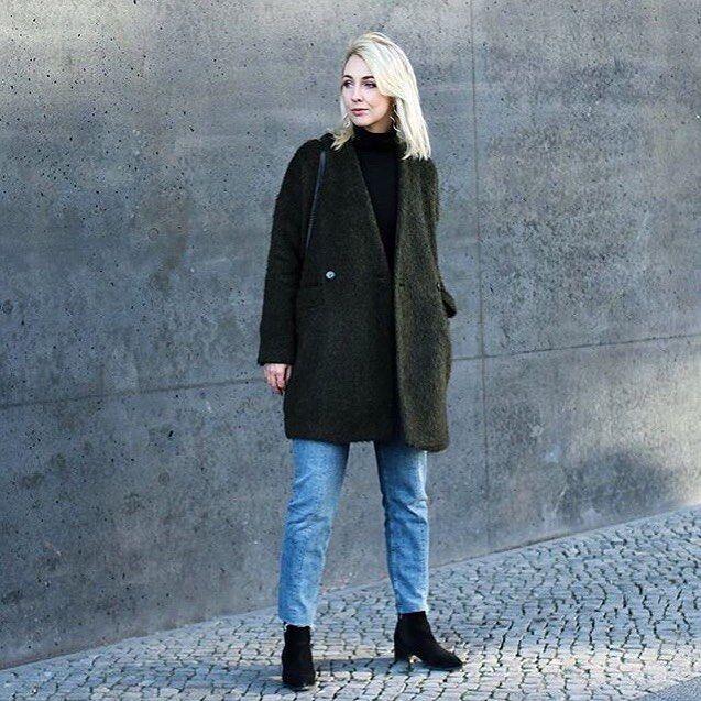@noanoir_ is looking so beautiful, showing off our Kim Jacket in Berlin. #girlsinarv #arvdesign