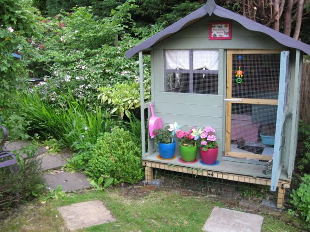 loving the wendy house hutch conversions. lovely way to use a small space if additional levels built in, plus this one is soooo pretty :D :D :D  FAO: The Duchess - Rabbits United Forum