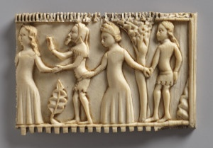 In French. 14th century ivory comb